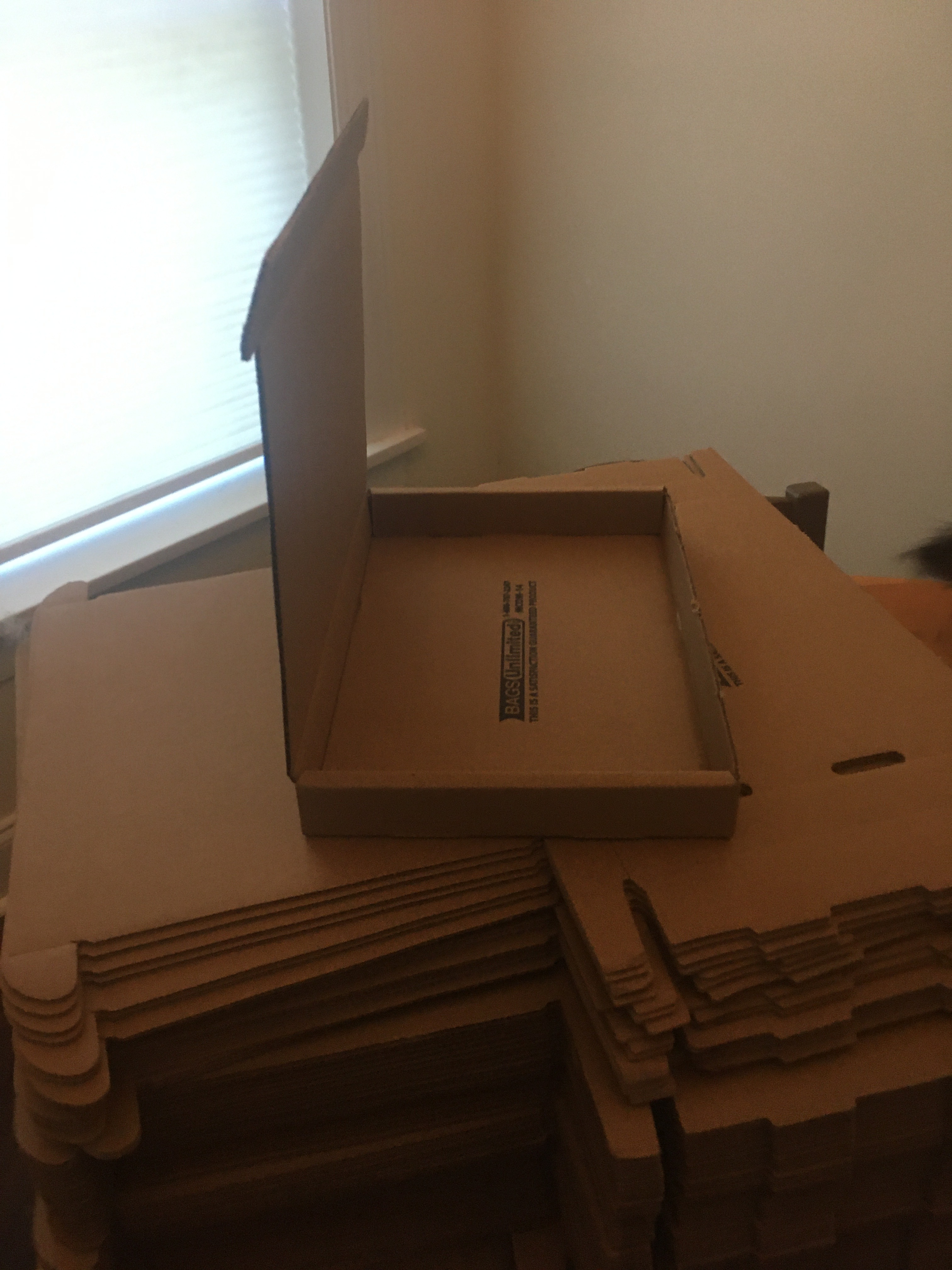 An image of foldable boxes